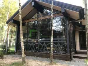 Остекление мягкими окнами террасы на даче