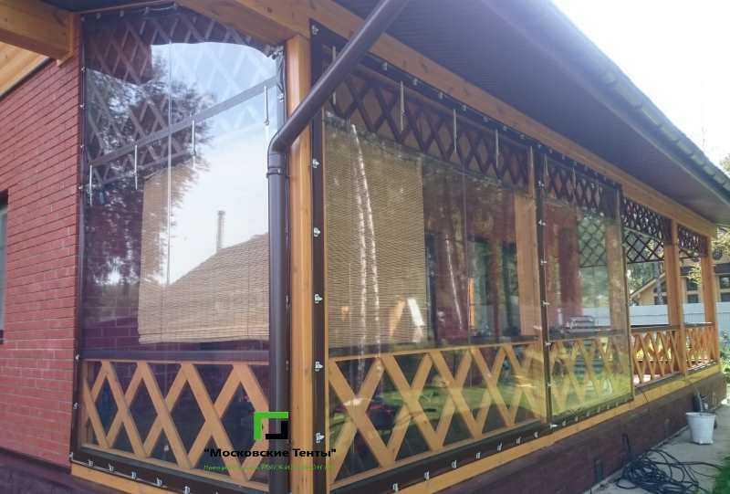 Шторы ПВХ на террасе деревянной