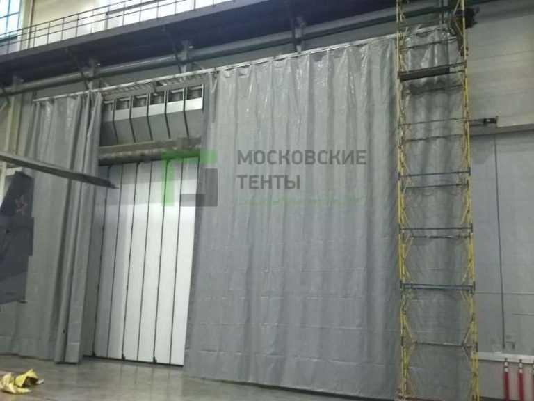 Сплошная завеса для ангара