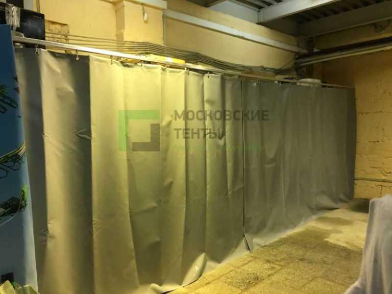 Перегородка шкафа шторой из ПВХ